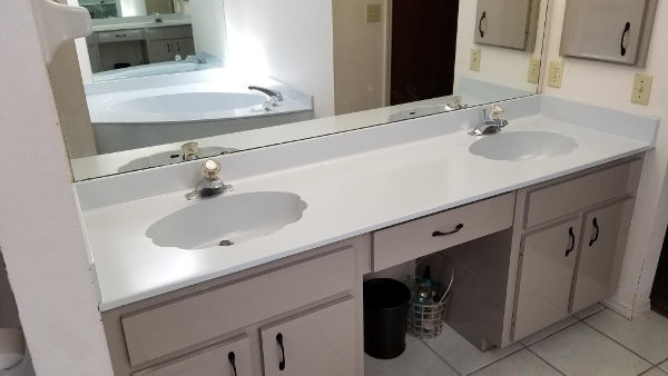 Resurfaced countertop from green to white