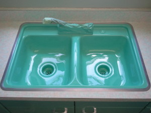 sink refinished with non toxic glaze kitchen sink refinishing. beautiful ideas. Home Design Ideas